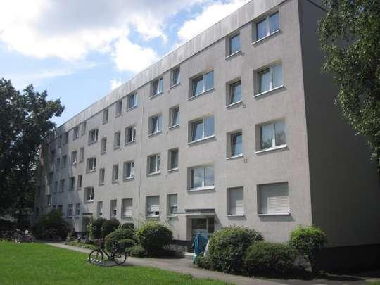++BEZUGSFREI++RODGAU++Praktisch geschnittene 2 Zimmer ETW mit Balkon++